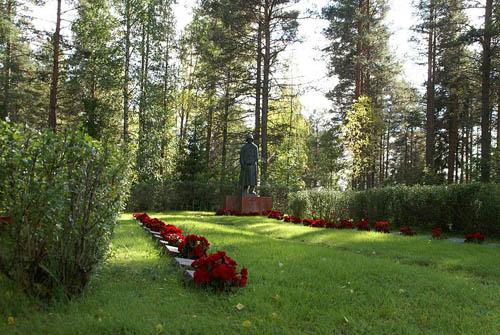 Finnish War Cemetery Puolanka