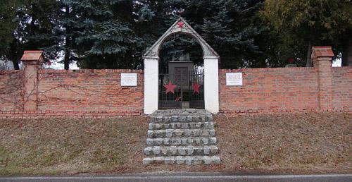 Sovjet Oorlogsbegraafplaats Laa an der Thaya