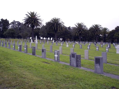 Commonwealth War Graves Waikumete Cemetery
