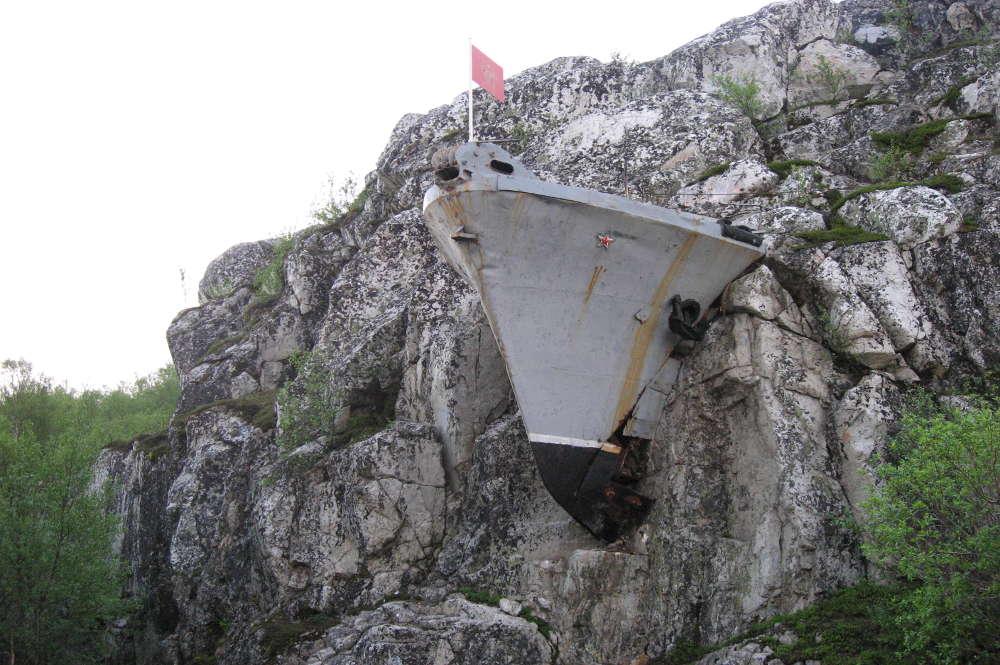 Monument Sovjet Zeelieden Liinakhamari