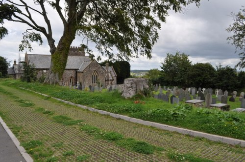 Commonwealth War Graves Abbotsham Churchyard