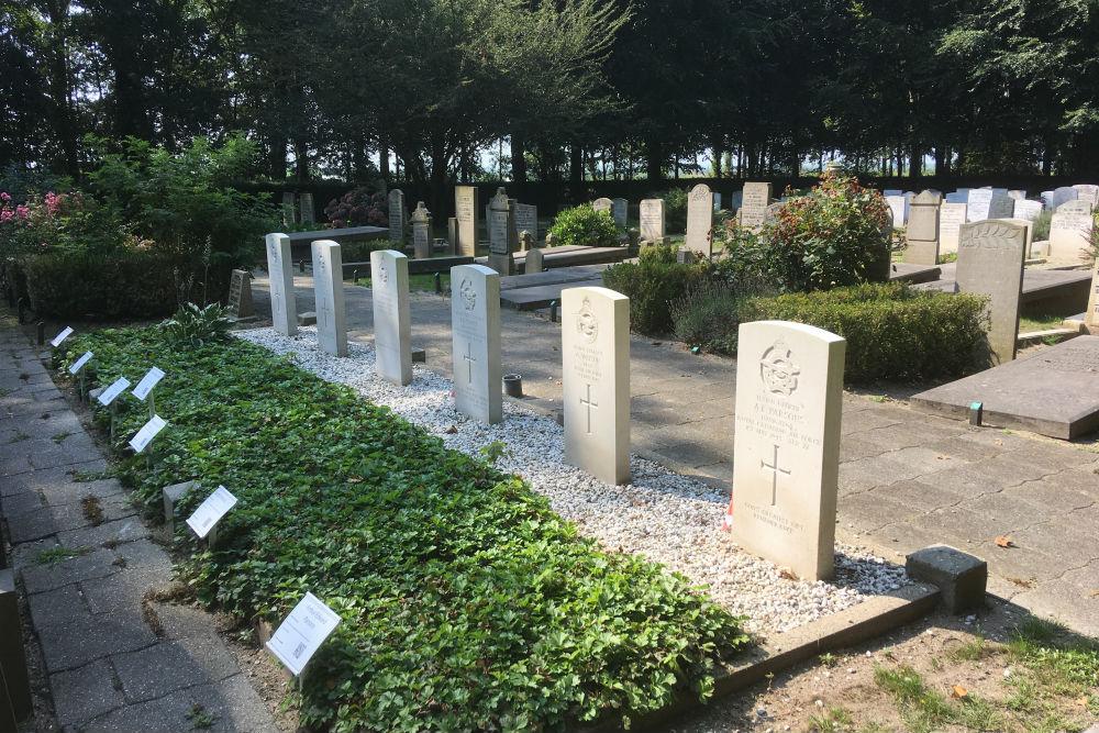 Oorlogsgraven van het Gemenebest Algemene Begraafplaats Muiden