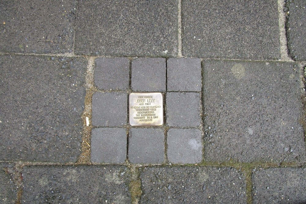 Remembrance Stone Beethovenstraat 3
