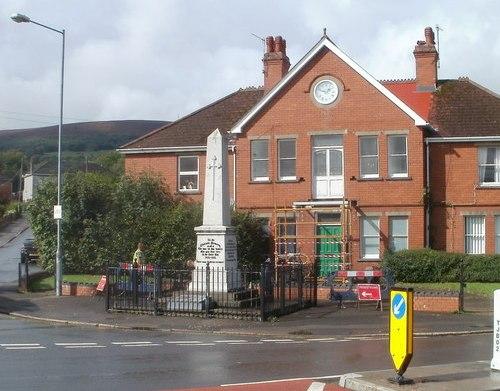 War Memorial Pontnewydd