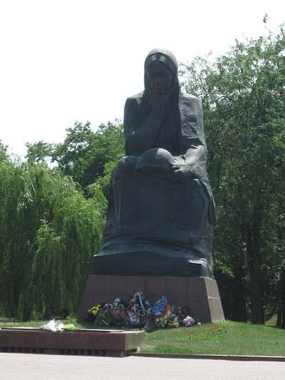 Sovjet Oorlogsbegraafplaats Kirovohrad