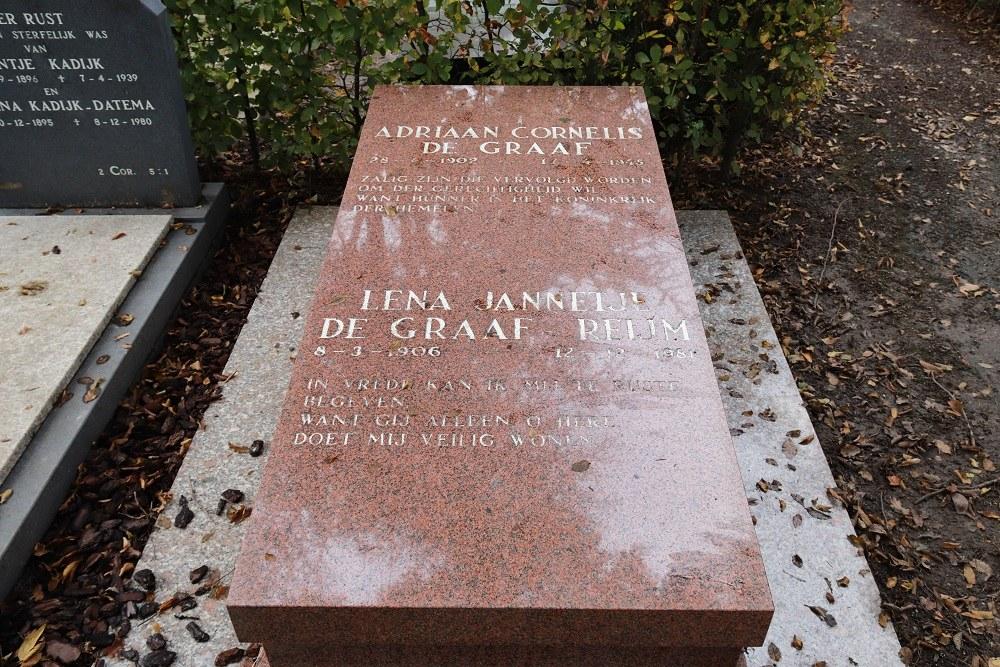 Dutch War Grave General Cemetery Middenmeer