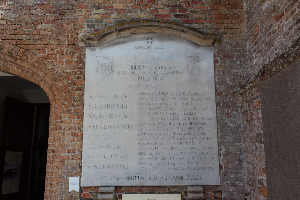 War Memorial Houtave