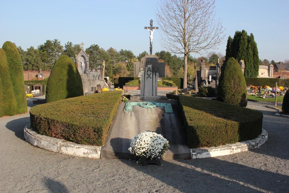 War Memorial Cemetery Temse