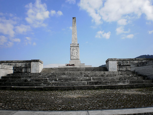 Memorial & Crypt French Partisans