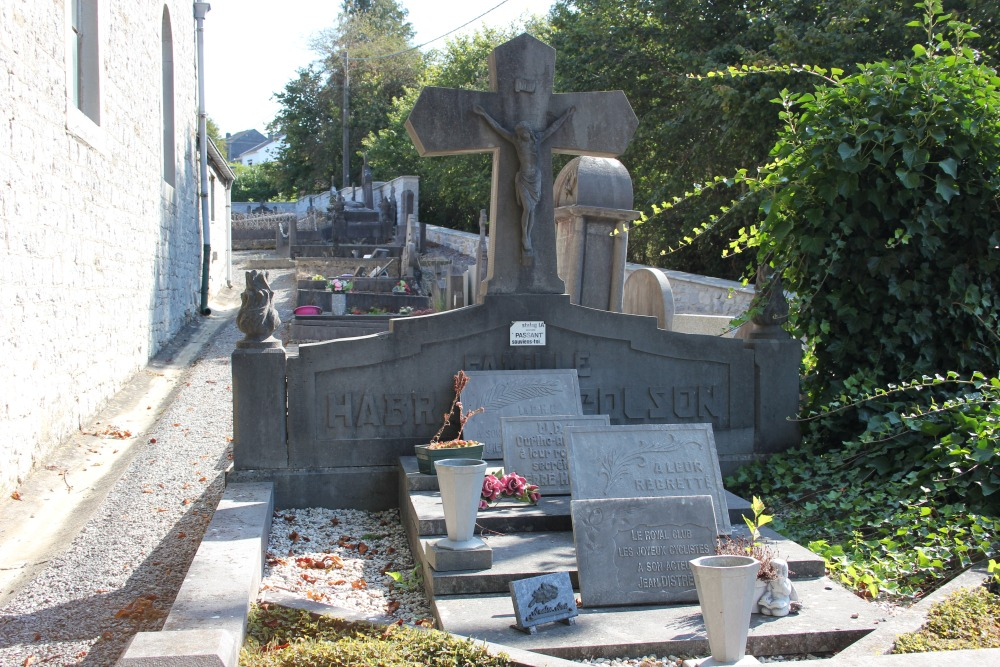 Belgische Oorlogsgraven Comblain-la-Tour