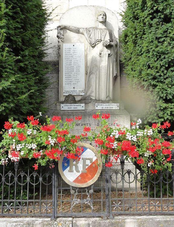 War Memorial Ourches-sur-Meuse