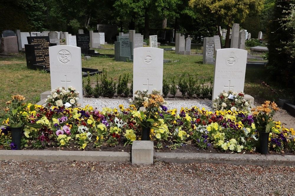 Oorlogsgraven van het Gemenebest Algemene Begraafplaats Alkmaar