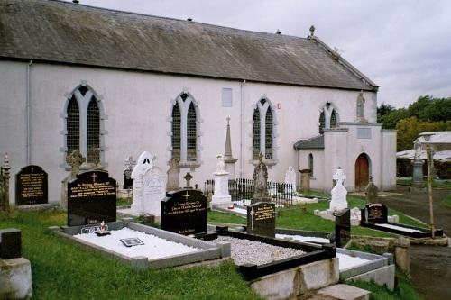 Oorlogsgraf van het Gemenebest St. Dympna Roman Catholic Churchyard