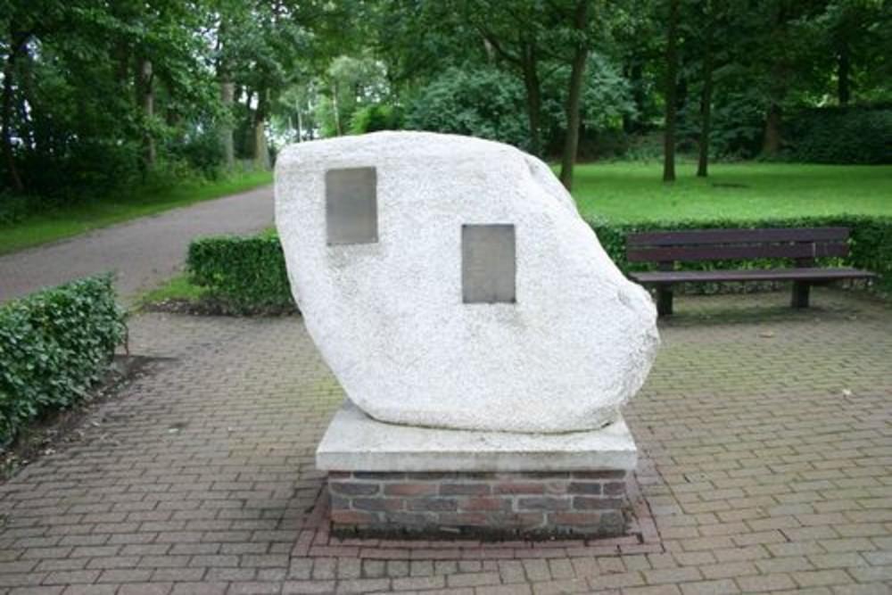 Monument De Zwerfkei
