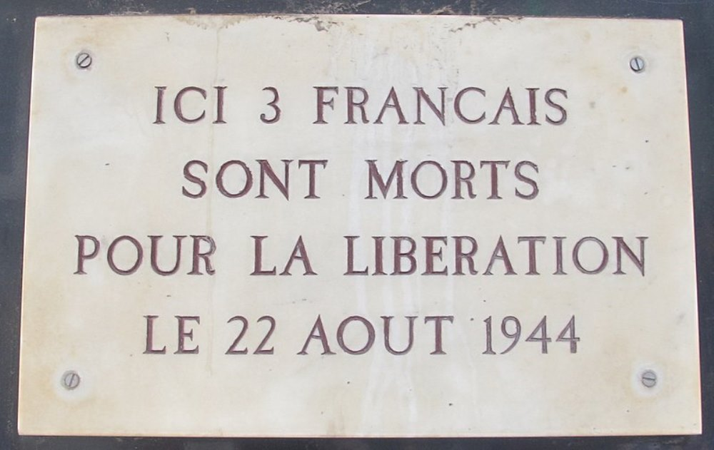 Plaque Unknown Resistance Fighters Rue Saint-Dominique