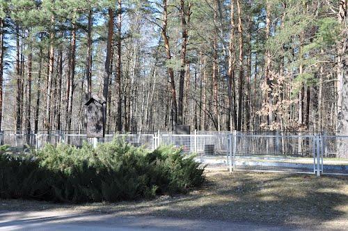 Sovjet Oorlogsbegraafplaats Salaspils (A)