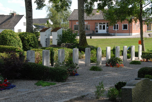 War Graves Aarestrup Kirkegård
