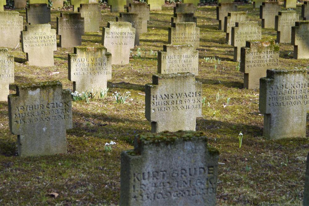 Duitse Oorlogsgraven Hauptfriedhof Frankfurt