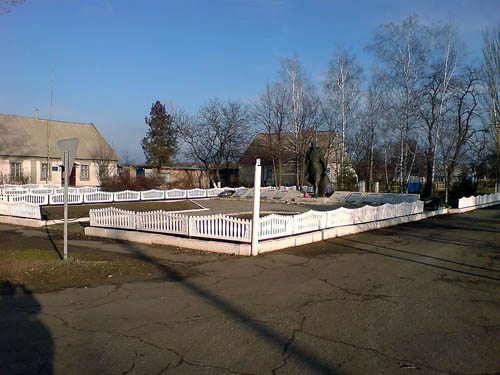 Mass Grave Soviet Soldiers Svitlodolyns'ke