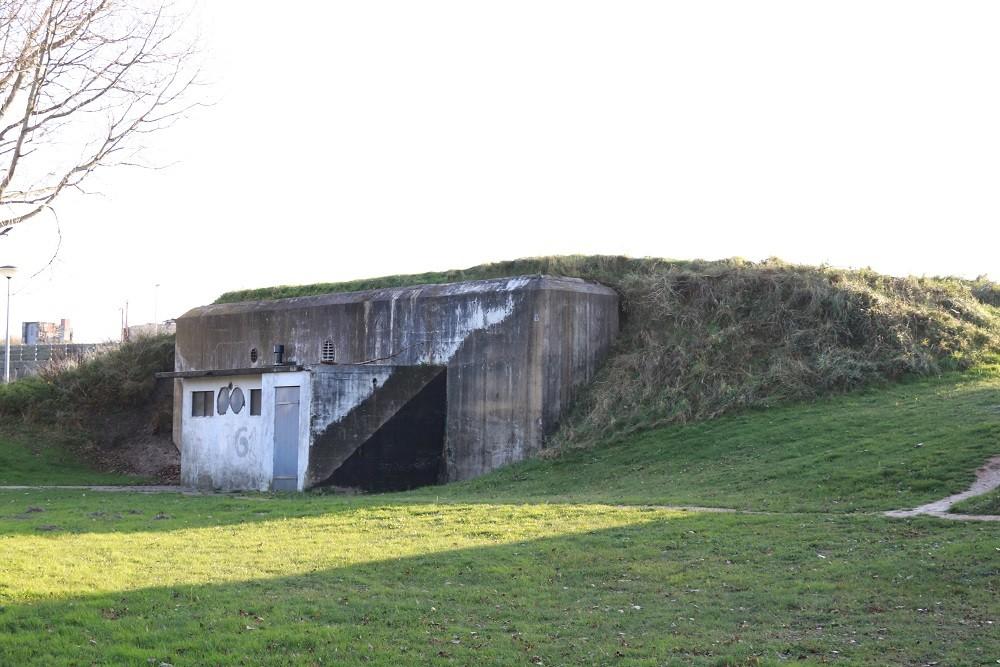 German Bunker FL245 Atlantikwall - Fort Dirks Admiraal - Den Helder -  TracesOfWar.com