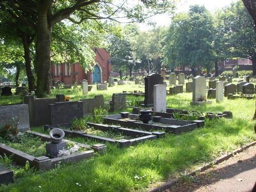 Commonwealth War Graves Darfield Cemetery