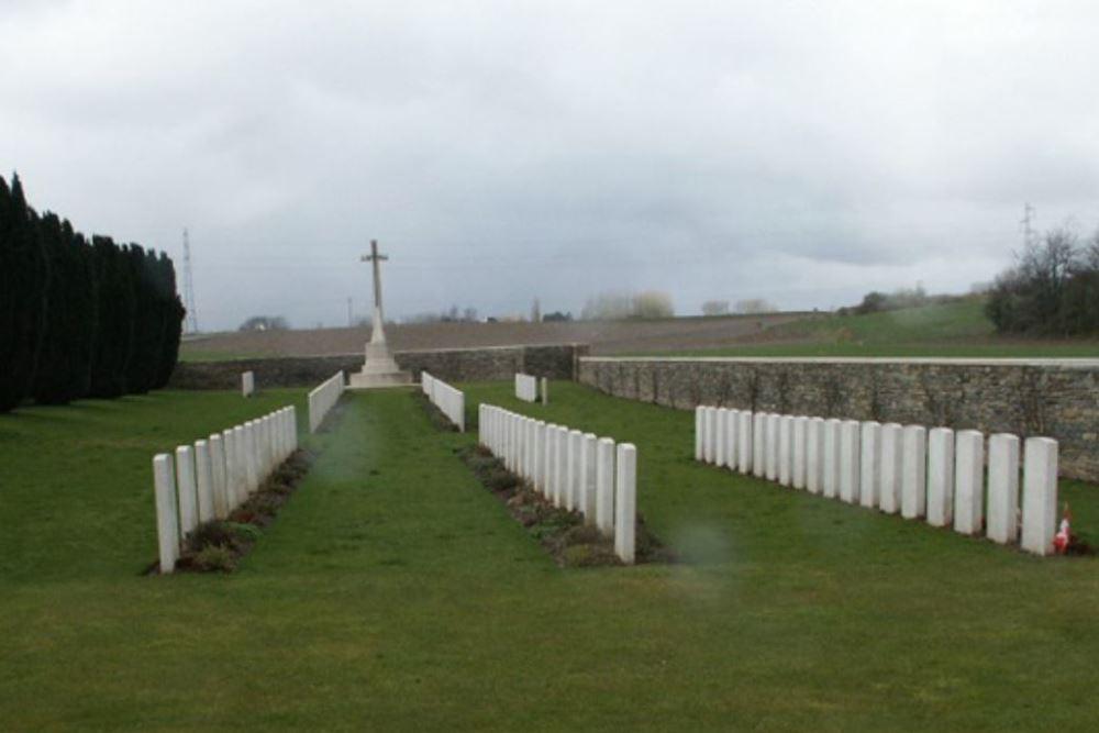 Oorlogsbegraafplaats van het Gemenebest Quatre-Vents