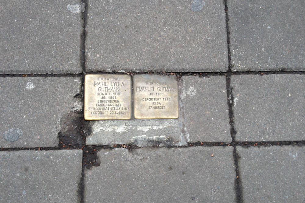 Stolpersteine Willy-Brandt-Platz 8