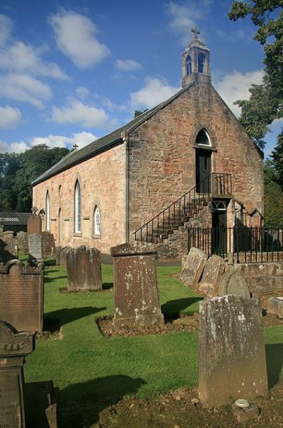 Commonwealth War Graves Sorn Parish Churchyard