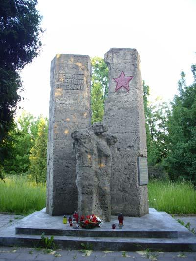 Sovjet Oorlogsbegraafplaats Biala Podlaska