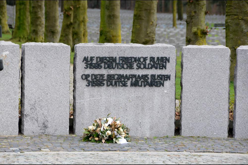 Kleurplaten Voetbal Duitsland.Duitse Oorlogsbegraafplaats Ysselsteyn Ysselsteyn Tracesofwar Nl