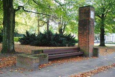 Kogelinslagen in Bank Oranjepark Dordrecht