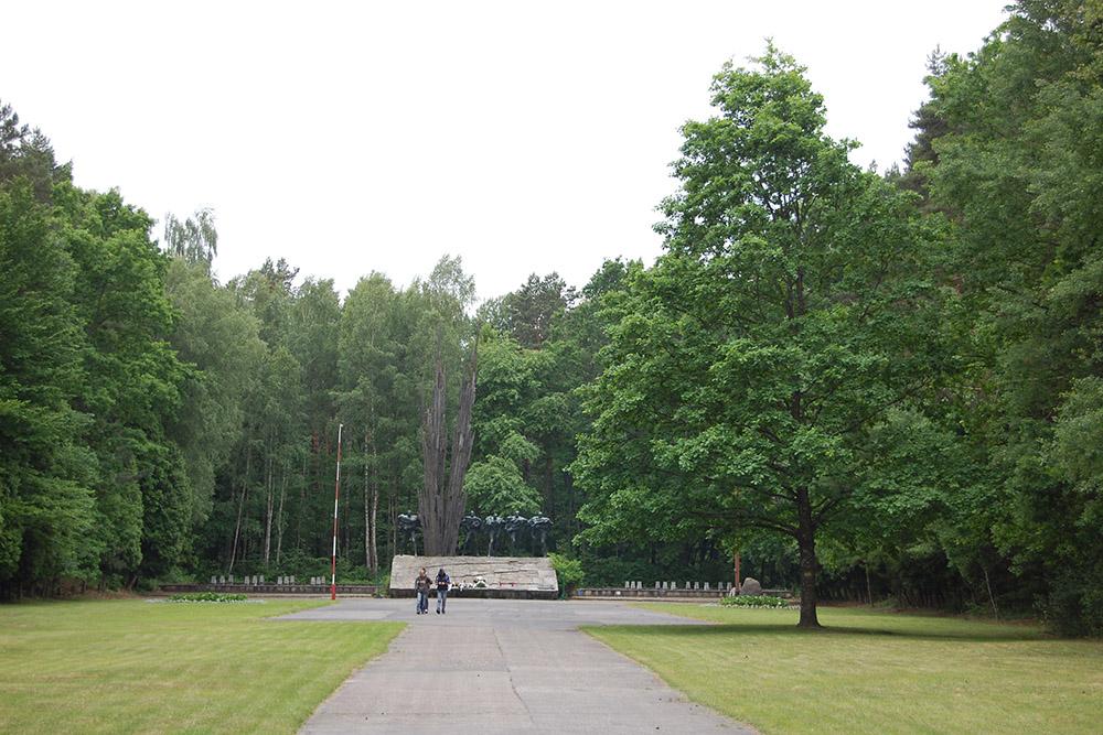 Gedenkplaats Portowo Heuvel