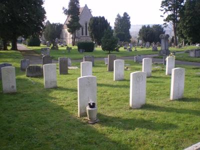 Oorlogsgraven van het Gemenebest Dorking Cemetery