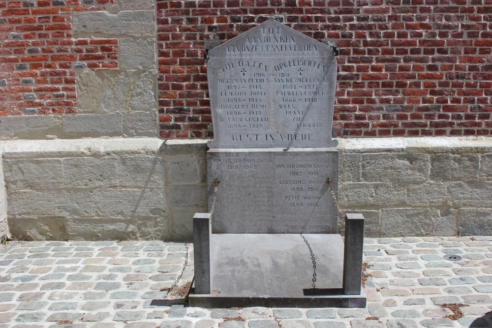 War Memorial Voorde