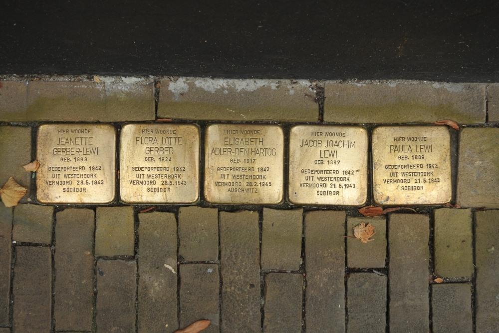 Stumbling Stones Burgstraat 1