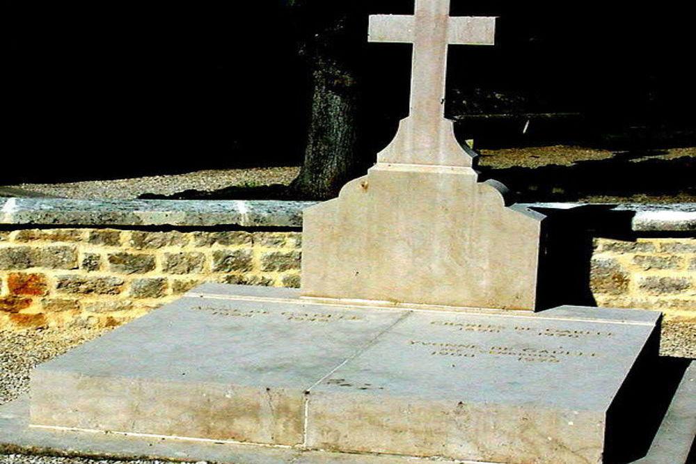 Grave Charles de Gaulle Colombey-les-Deux-Églises