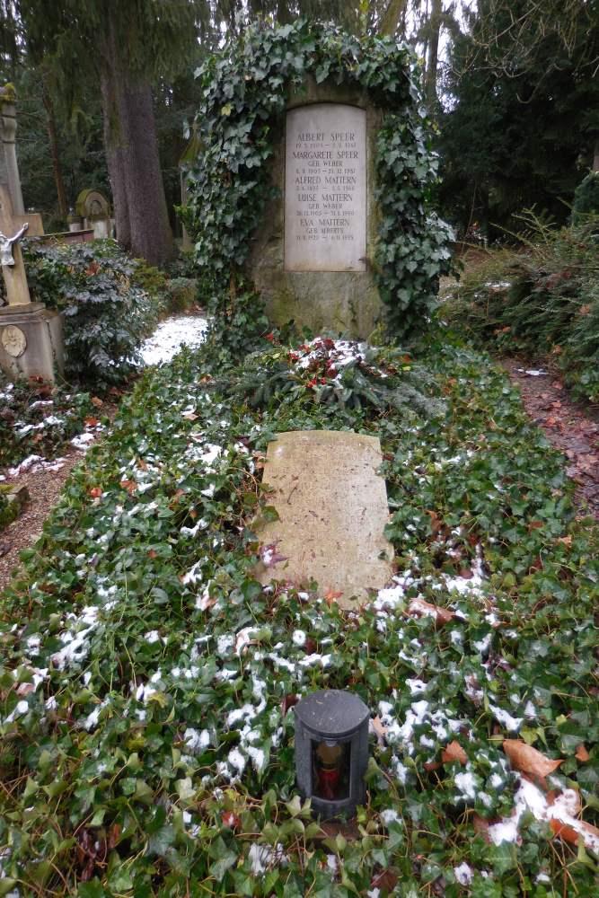 Grave Albert Speer