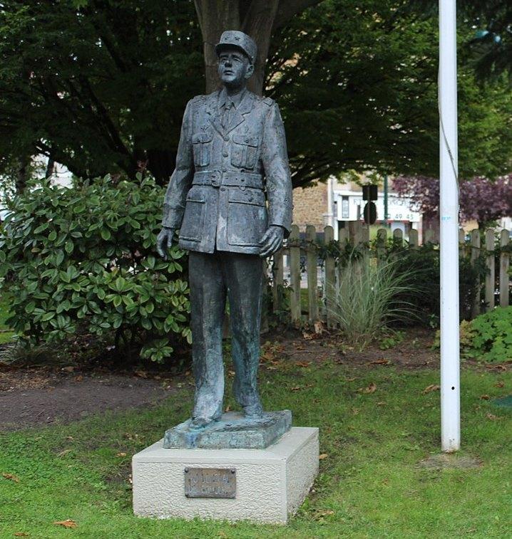 Statue of Charles de Gaulle