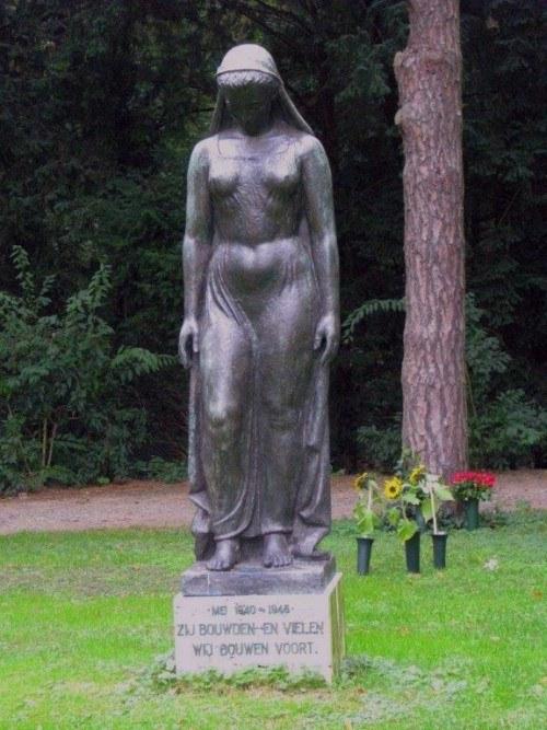 Memorial on Westerveld cemetery