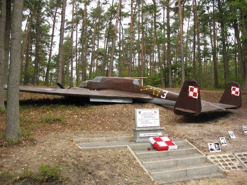 Memorial PZL P.37 B Bomber