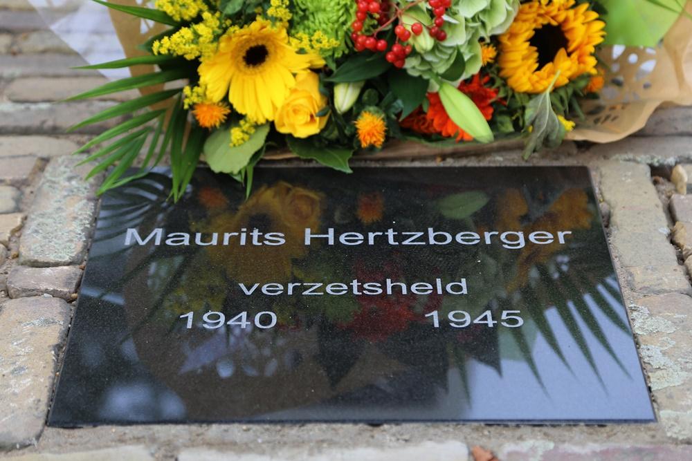 Herdenkingssteen Maurits Hertzberger