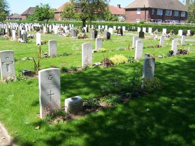 Commonwealth War Graves Barking Cemetery