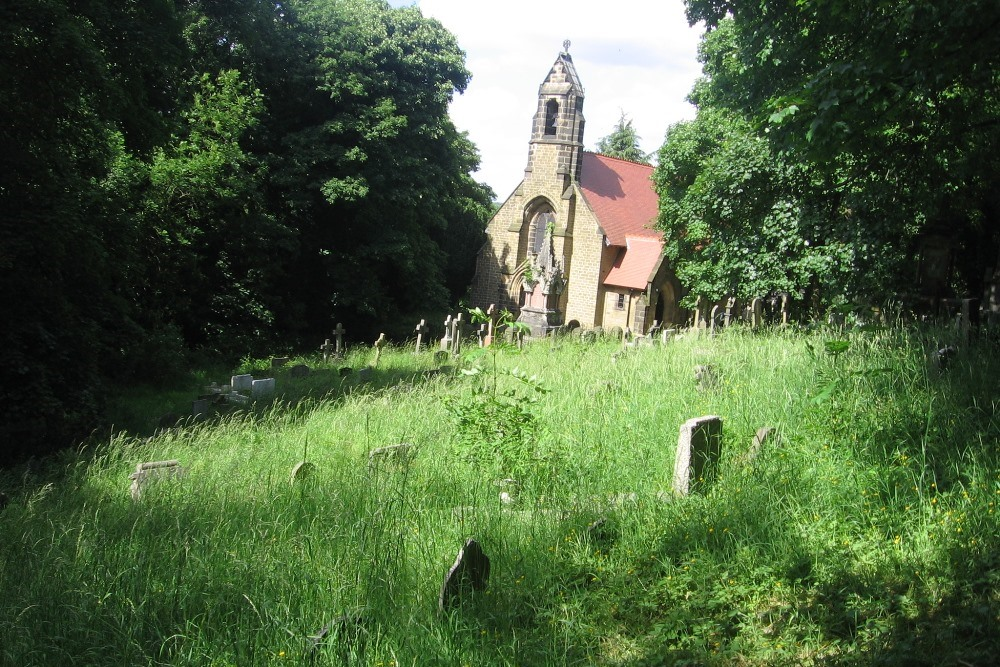Commonwealth War Graves St. Michael's Roman Catholic Cemetery