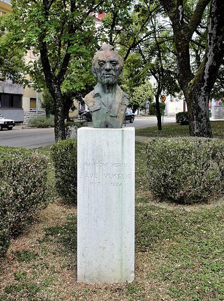 Bust Savo Vukelic