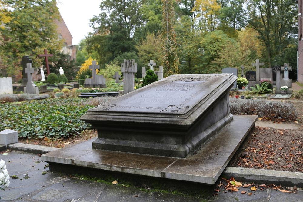 Graf Verzetsstrijder Rooms Katholieke Begraafplaats Horn