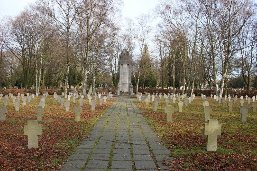 Duitse Oorlogsgraven Begrafplaats Robermont