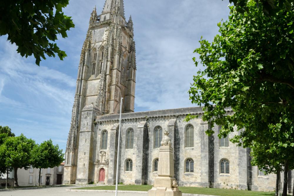 War Memorial Marennes