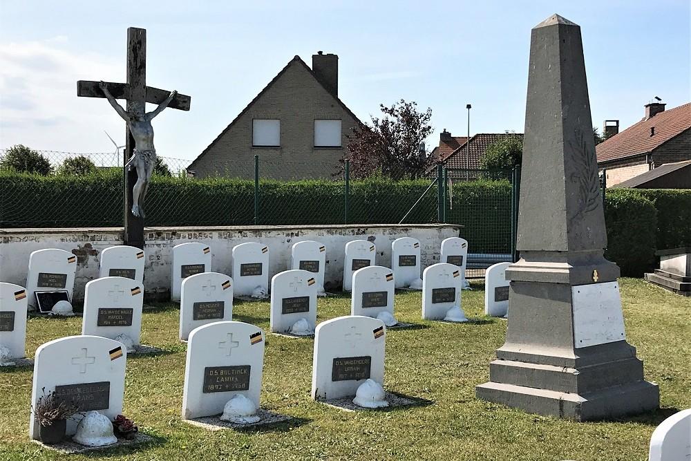Oorlogsmonument Oude Gemeentelijke Begraafplaats Heist