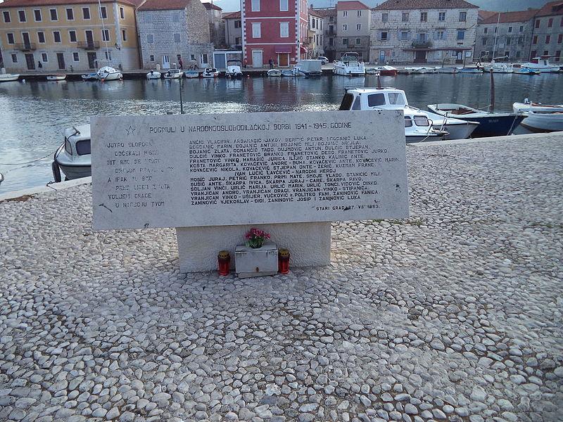 Monument Omgekomen Partizanen Stari Grad