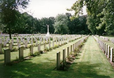 Adegem Canadian War Cemetery Adegem Maldegem Tracesofwar Com